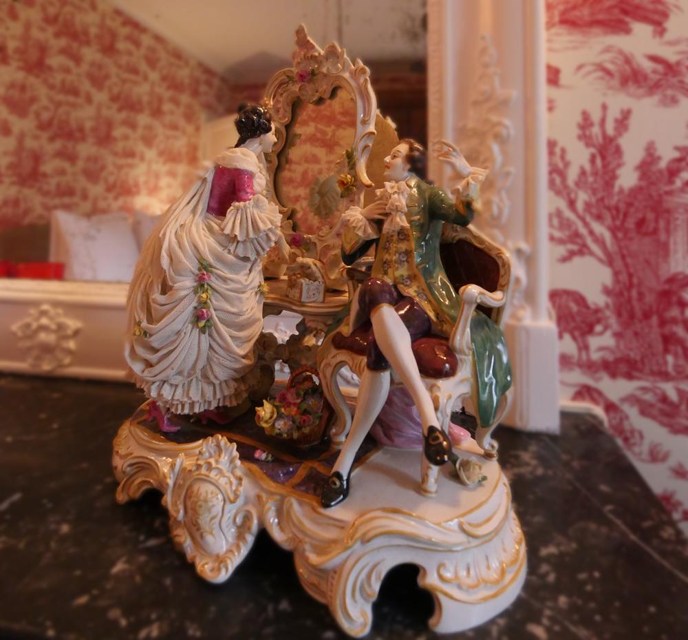 Château de Picheny - Porcelain figure
