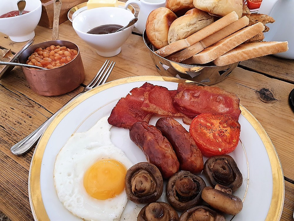 Home-Farm-Glamping-Breakfast