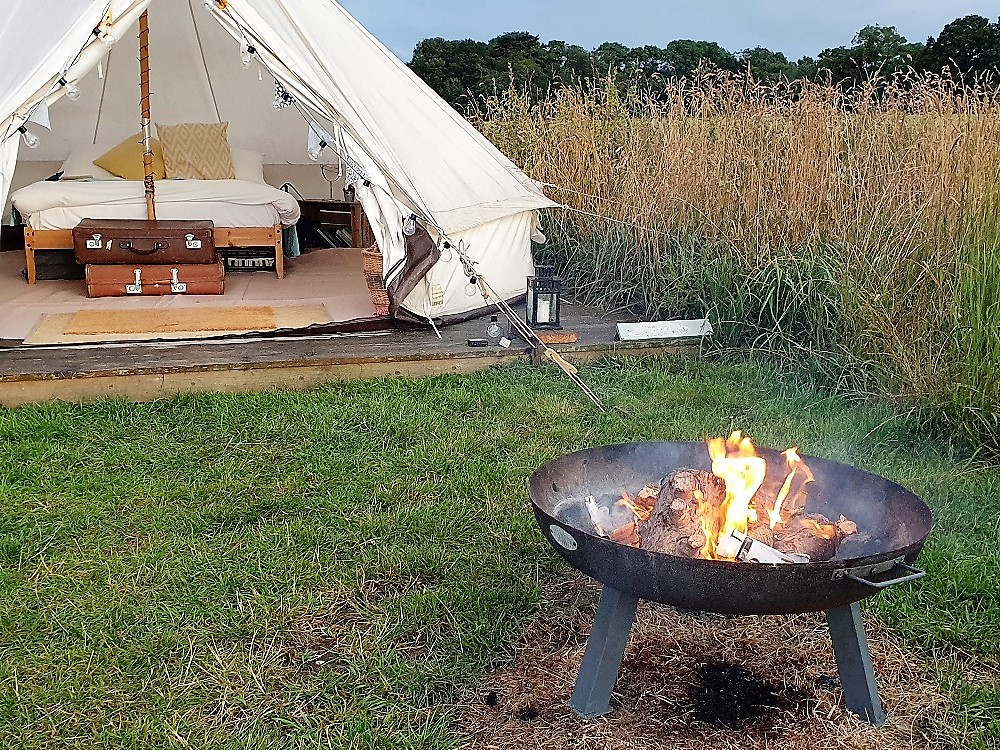 Home-Farm-Glamping-Tent-and-Fire