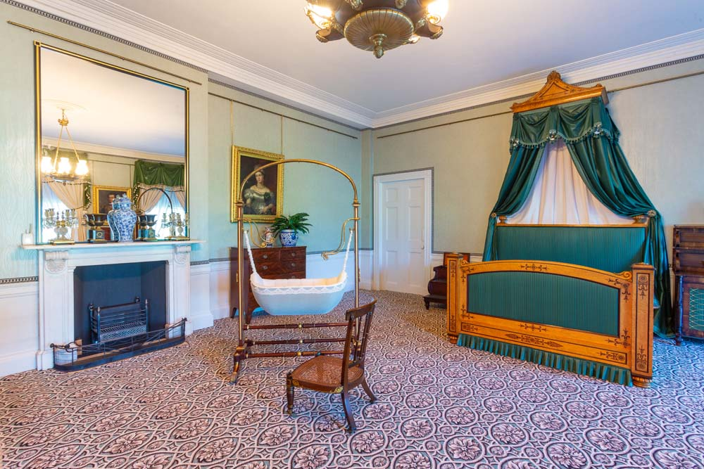 Victoria A Royal Childhood - The Birth Room Kensington Palace