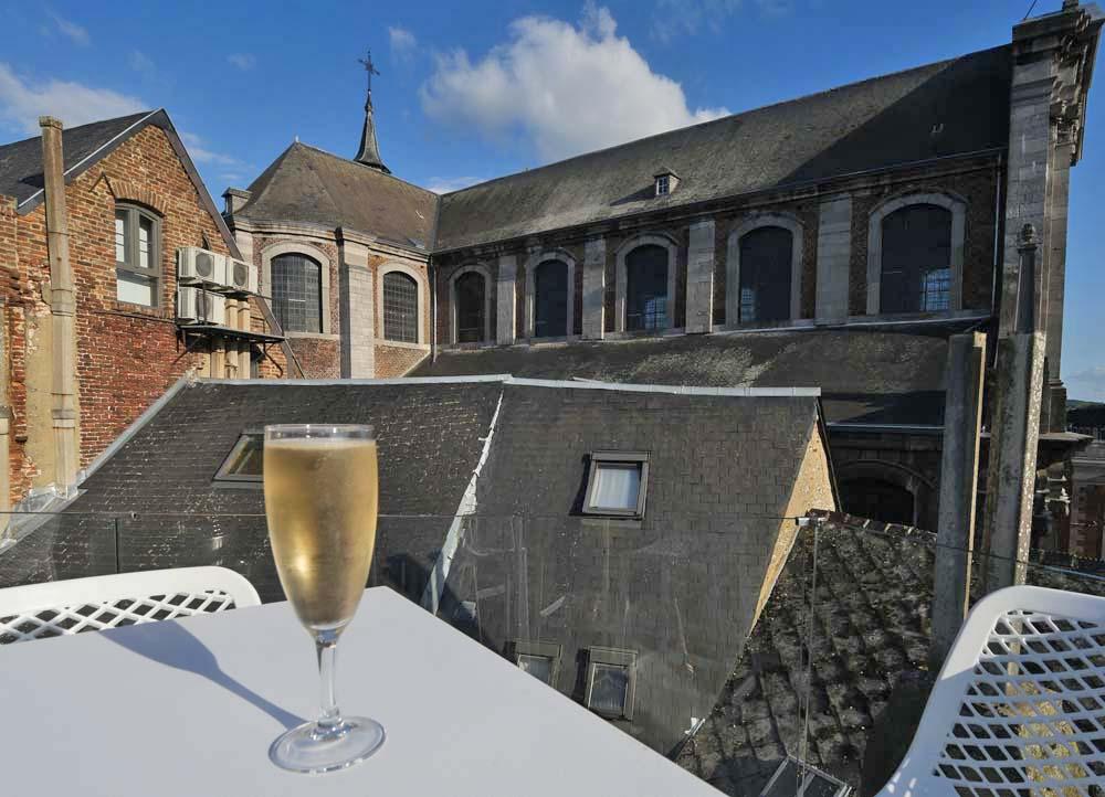 Fizz on the Rooftop Bar hotel Les Tanneurs de Namur