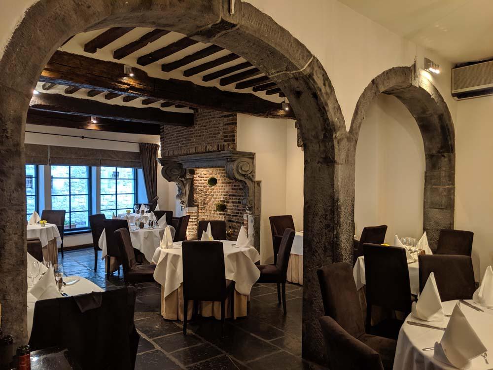 Les Tanneurs Restaurant