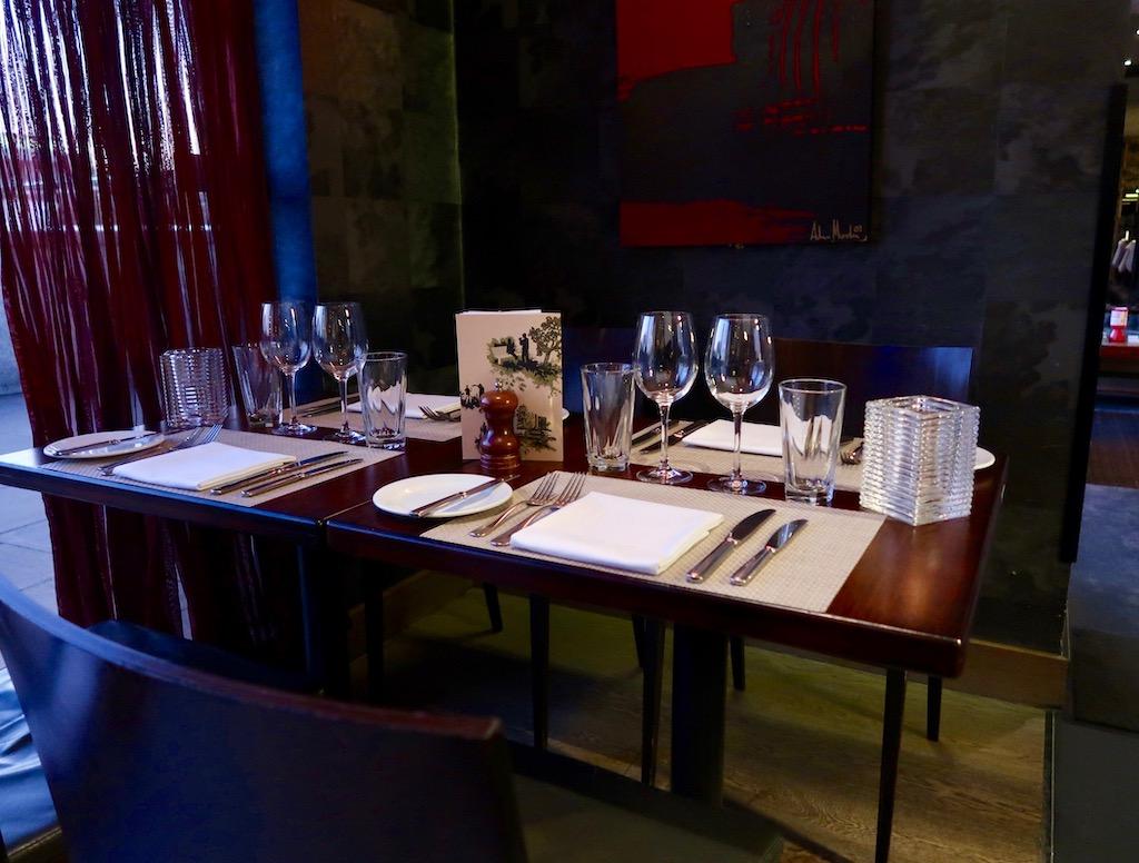 Northbank table setting