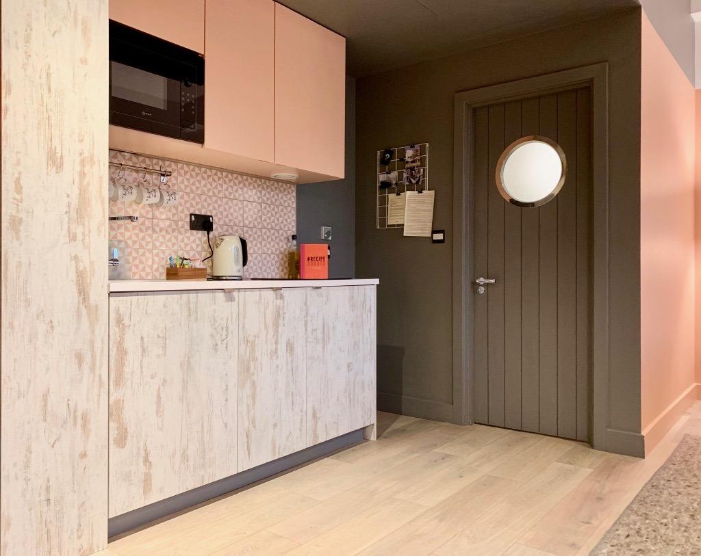 room2 hometel southampton bedroom kitchen