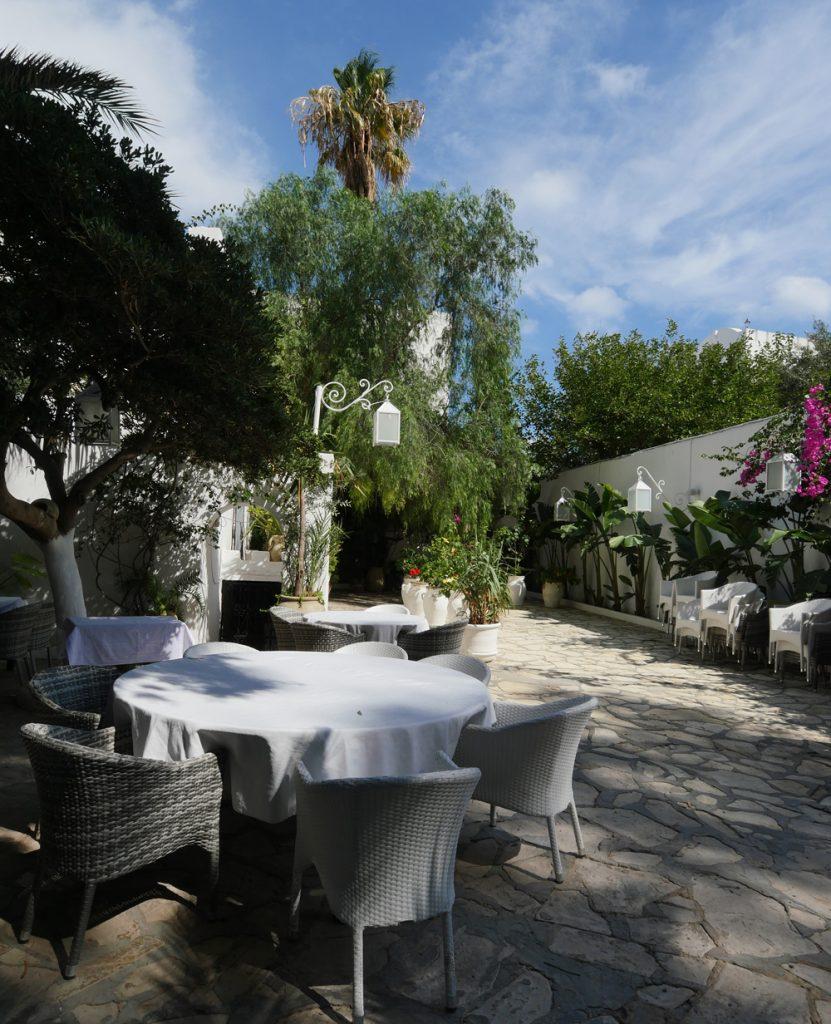 Courtyard Chez Achour Hammamet