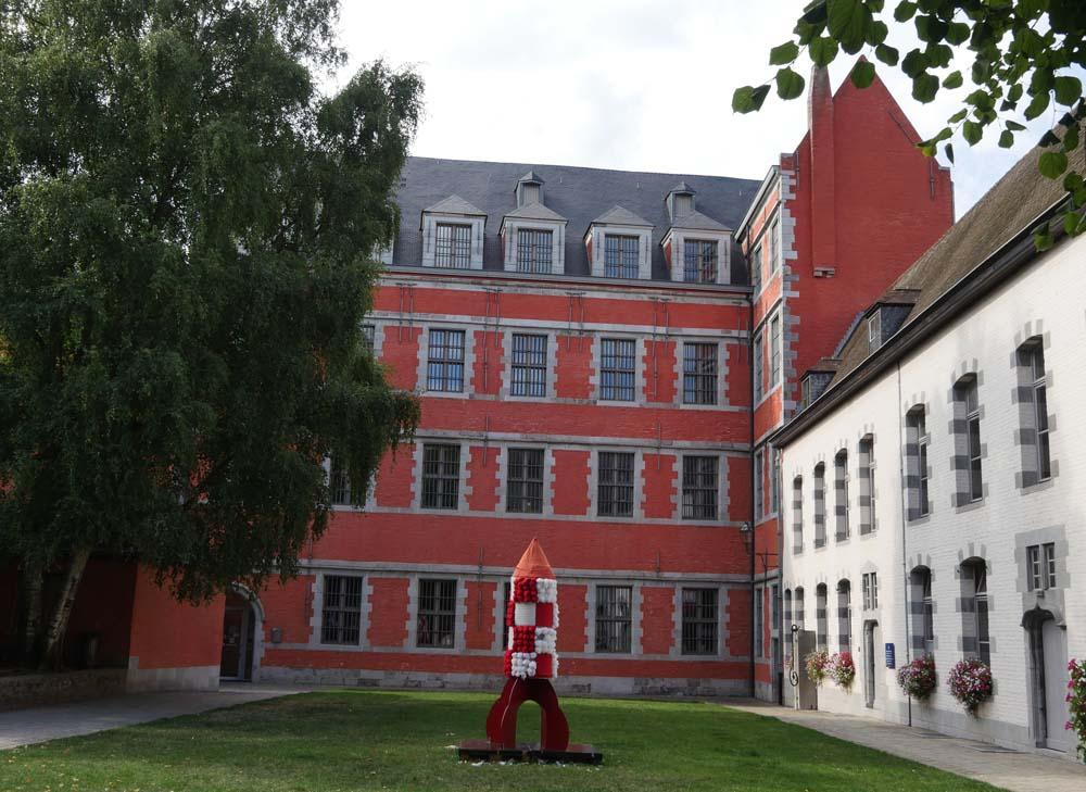 DouDou museum Mons
