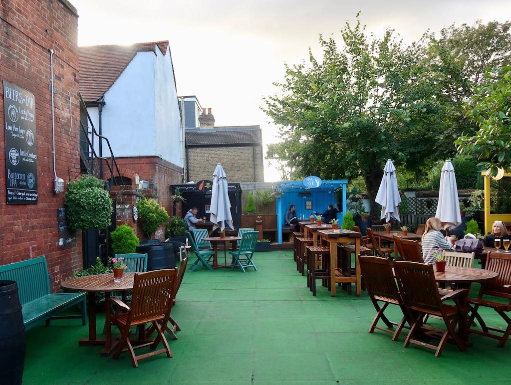 Ealing Park Tavern - beer garden