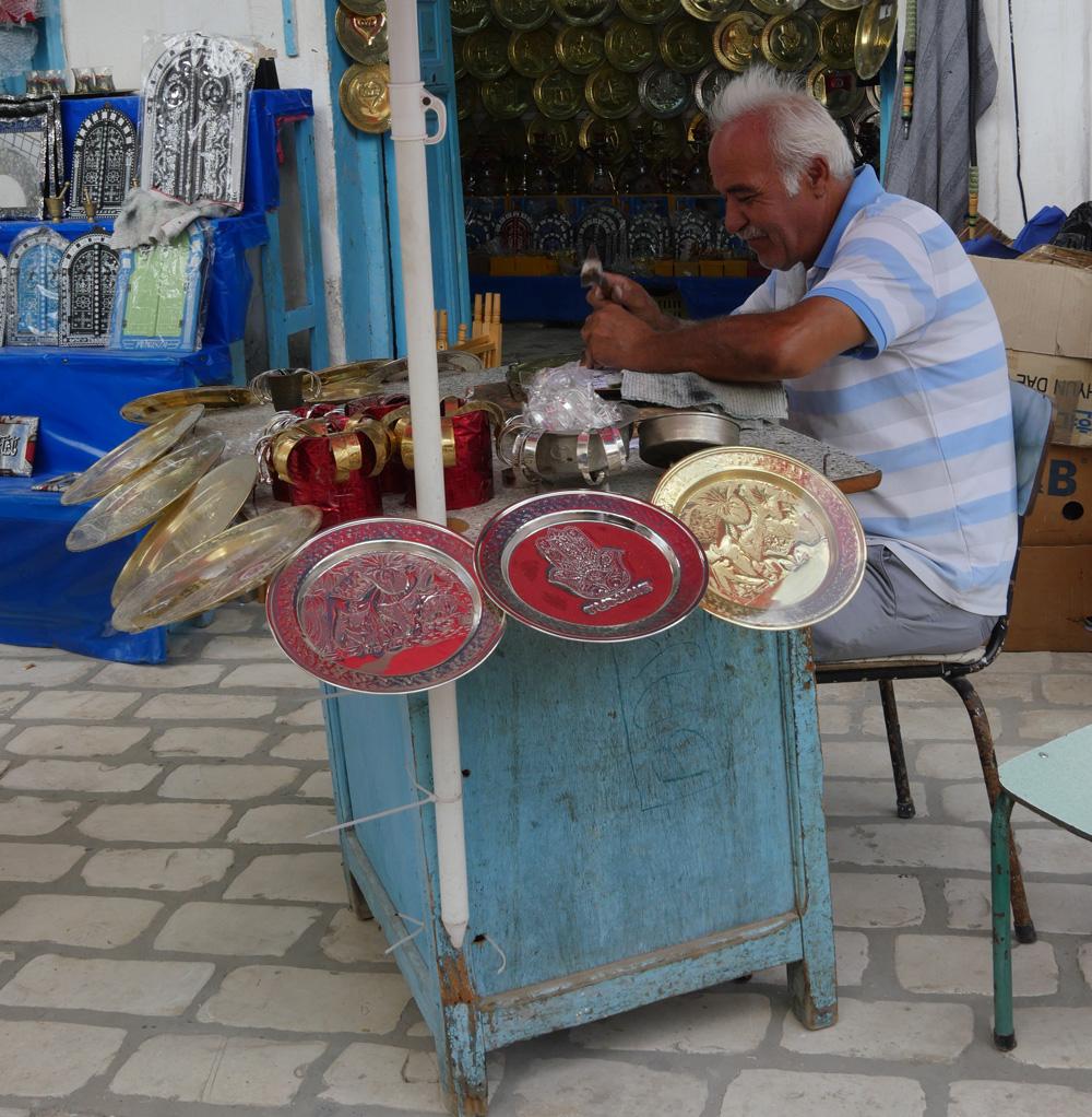 Plate maker