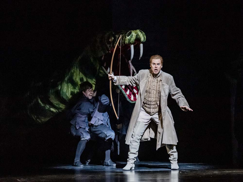 A scene from Die Zauberflote by Mozart @ Royal Opera House. Directed by David McVicar. Conducted by Leo Hussain. (Opening 01-11-19) ©Tristram Kenton 10/19 (3 Raveley Street, LONDON NW5 2HX TEL 0207 267 5550 Mob 07973 617 355)email: tristram@tristramkenton.com