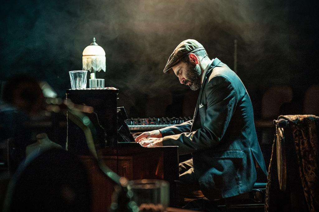 Zubin-Varla-in-Ghost-Quartet-at-the-Boulevard-Theatre.-Photo-Marc-Brenner