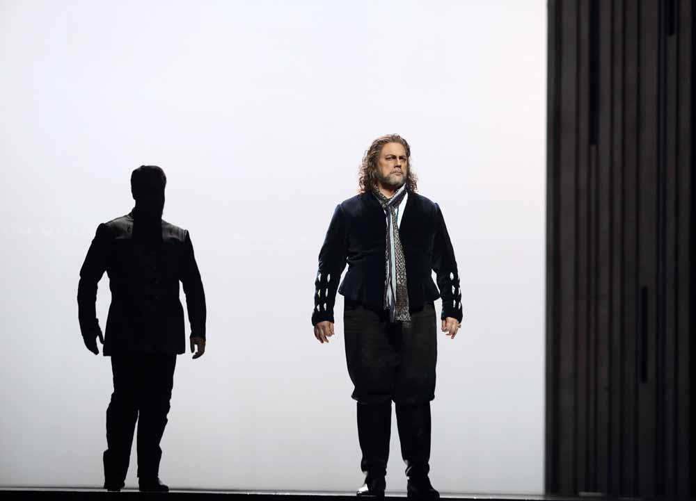 Gregory-Kunde-as-Otello-in-Otello-C-ROH-2019.