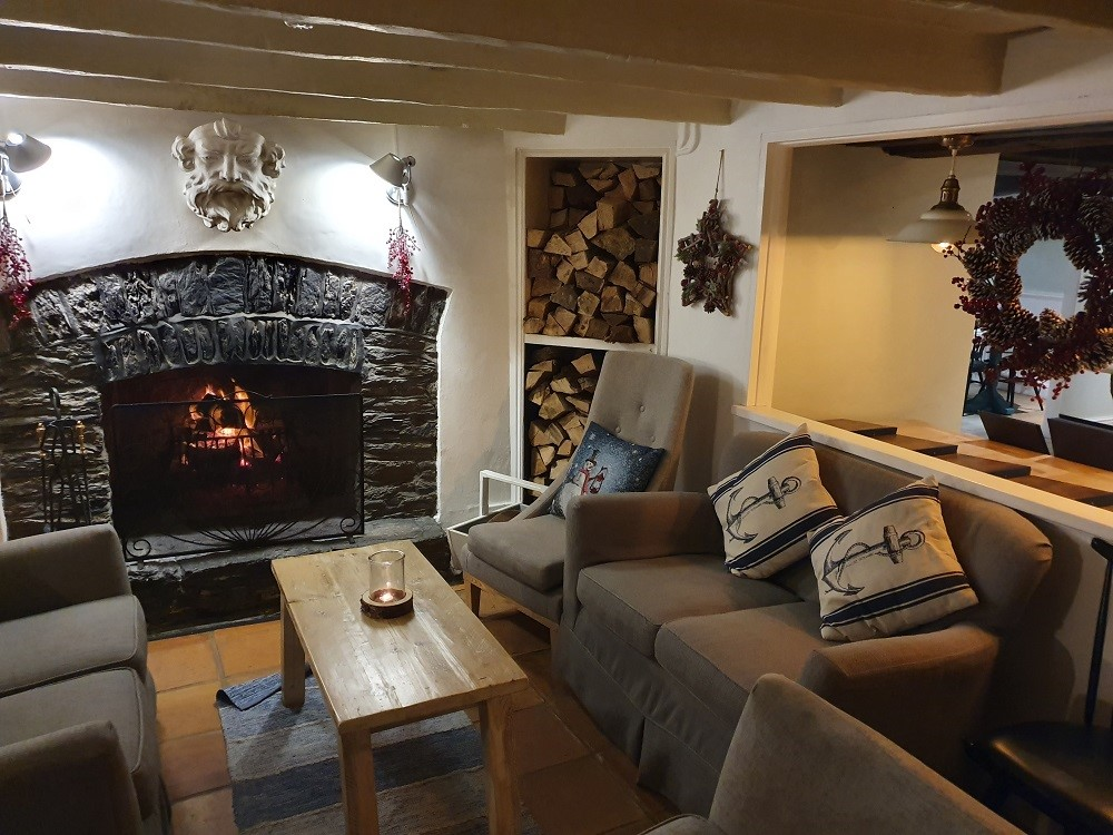 The-Lugger-Lounge-pre-Christmas-cosy