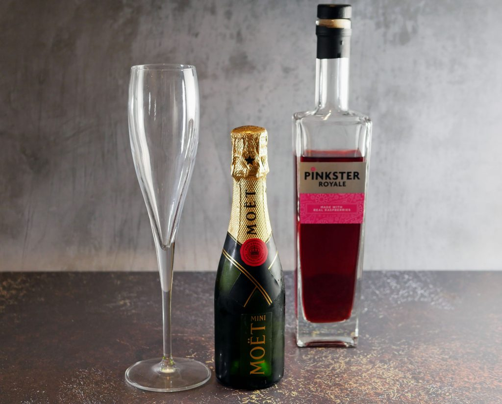 Raspberry Gin cocktail with Champagne