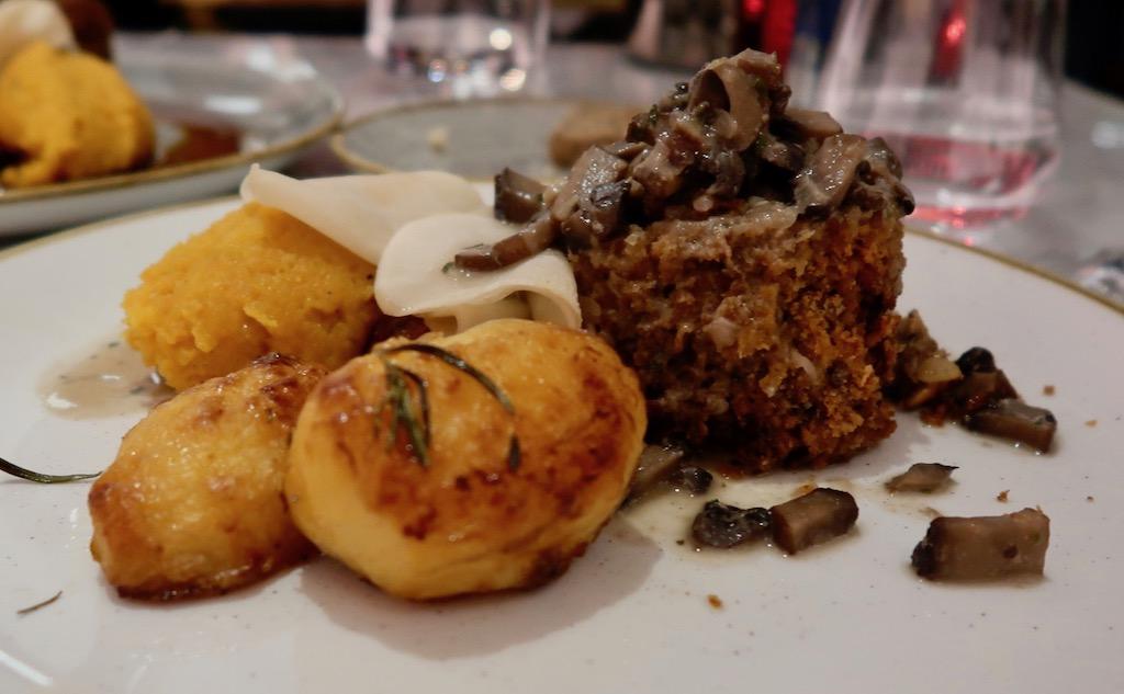 Boulevard Theatre Restaurant veggie haggis