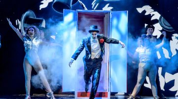 Magic Goes Wrong at the Vaudeville, London