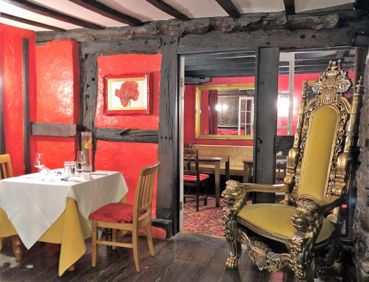Red dining room at the Lion of Berriew