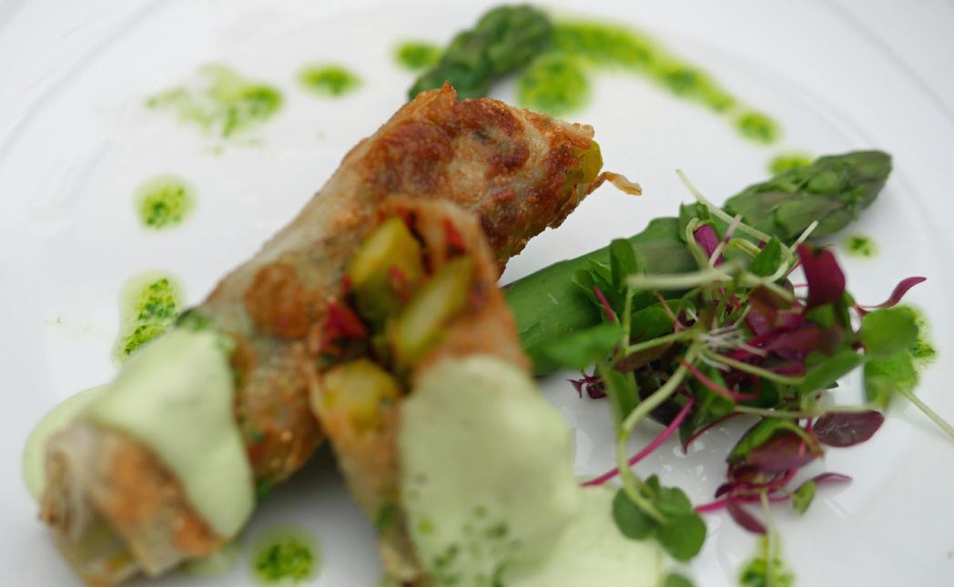 Crispy Rice Paper Asparagus Roll