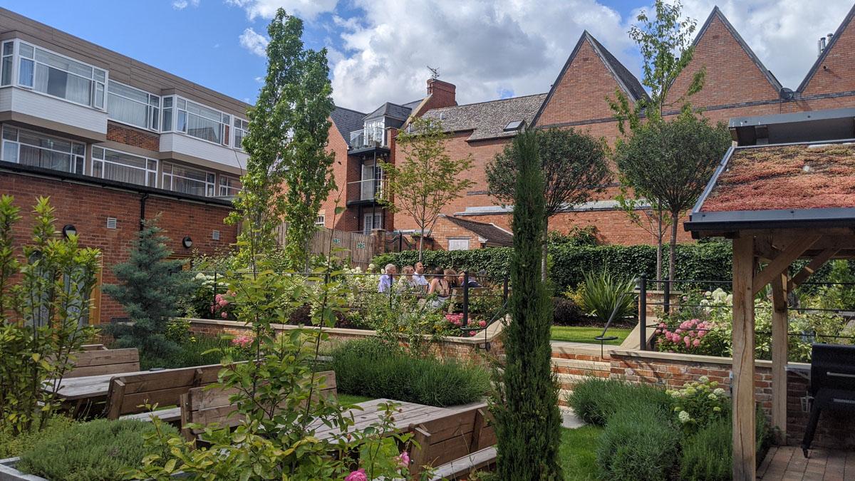Hotel Garden - Hotel Indigo Stratford