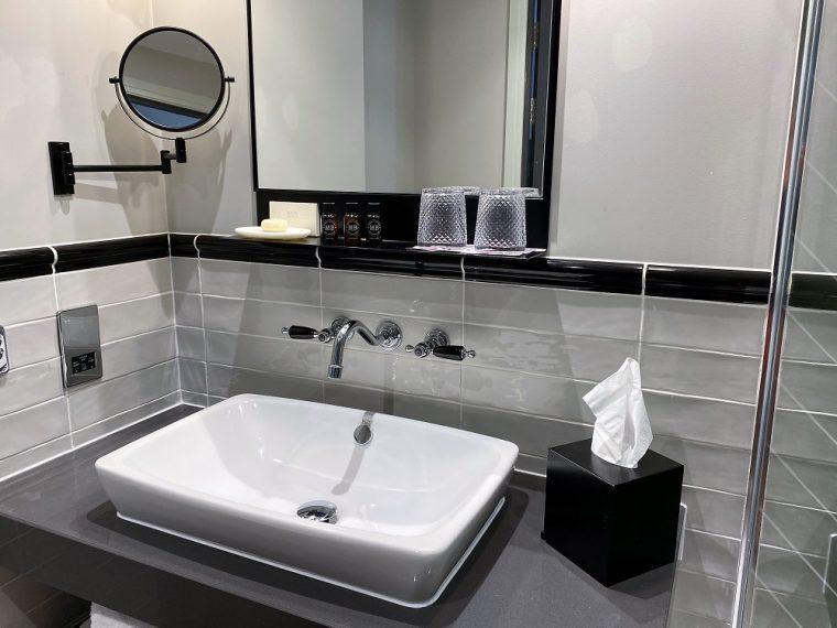 bathroom at Hotel Indigo Chester