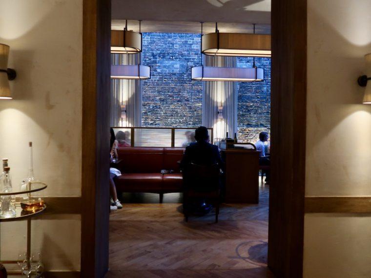 LUCA RESTAURANT interior 1