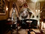 Beach Blanket Babylon interior 1