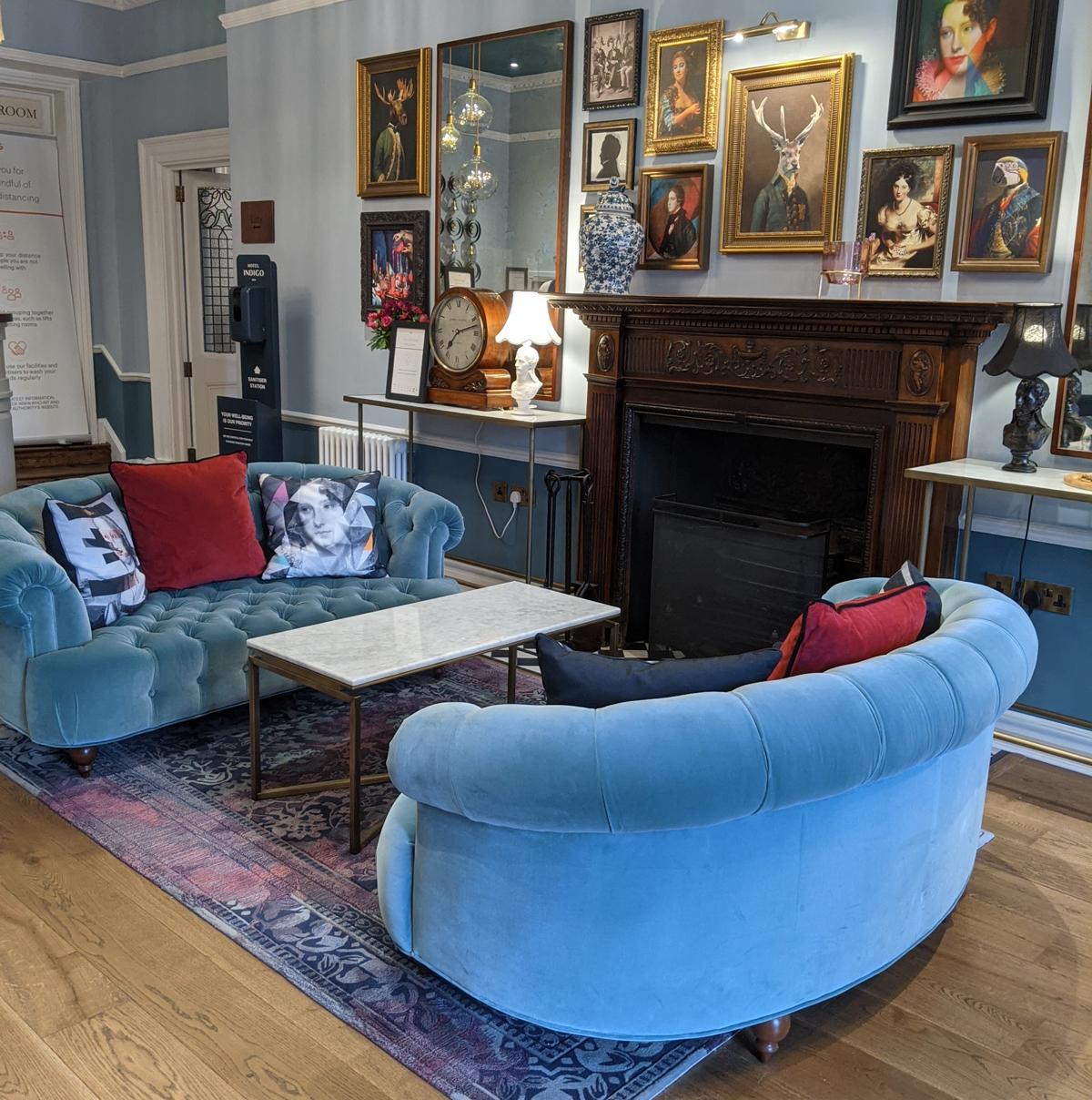 Hotel indigo bath living room