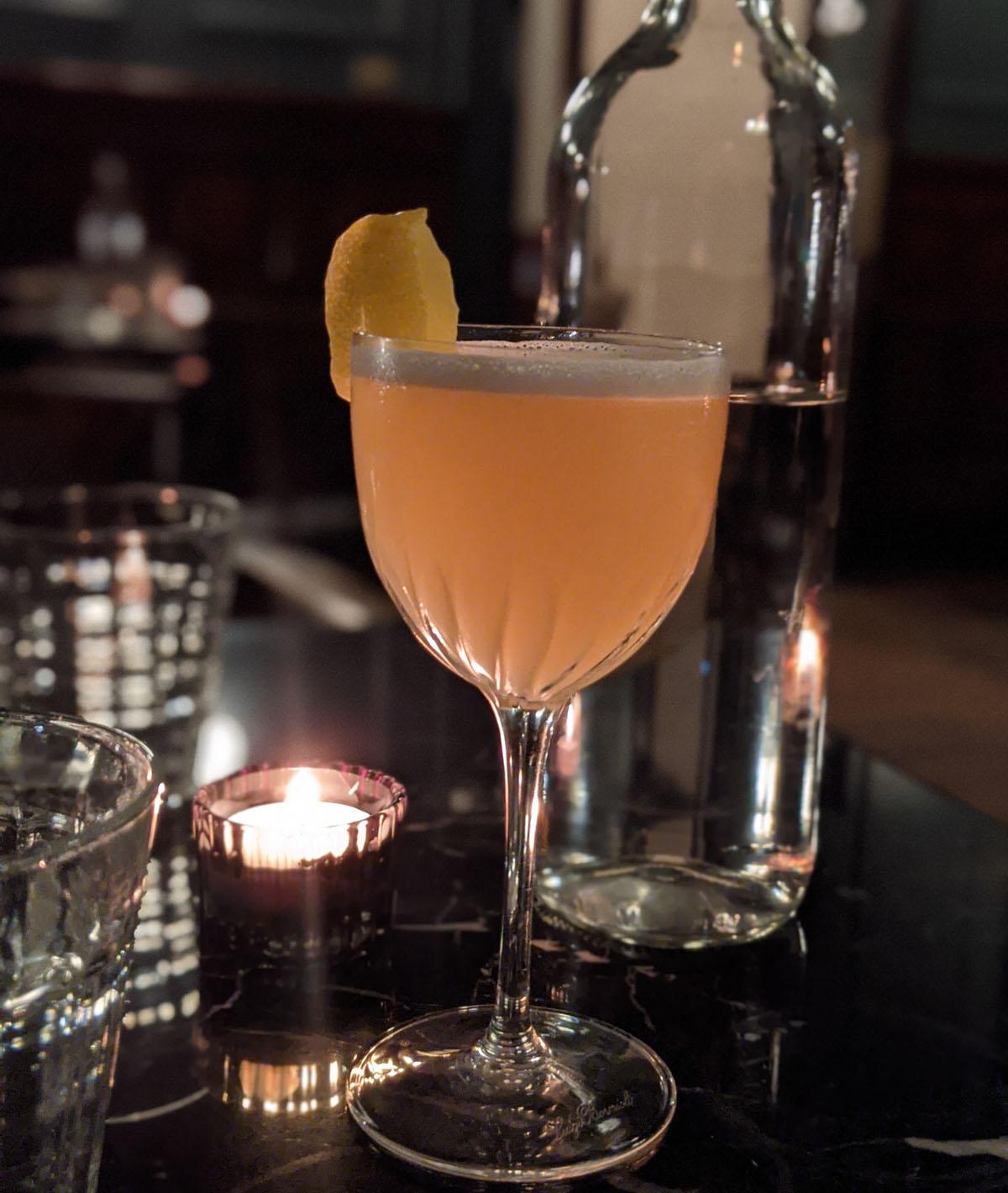 Cocktail - Columbia Bar