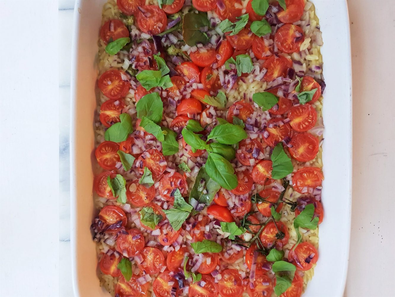 Green Tin Roasting Tomatoes with orzo and red onion (2)