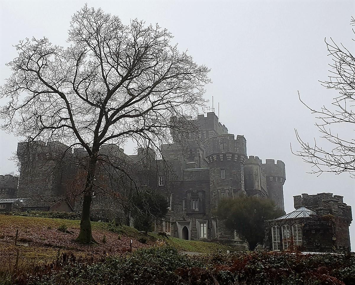 Wray-Castle-mist