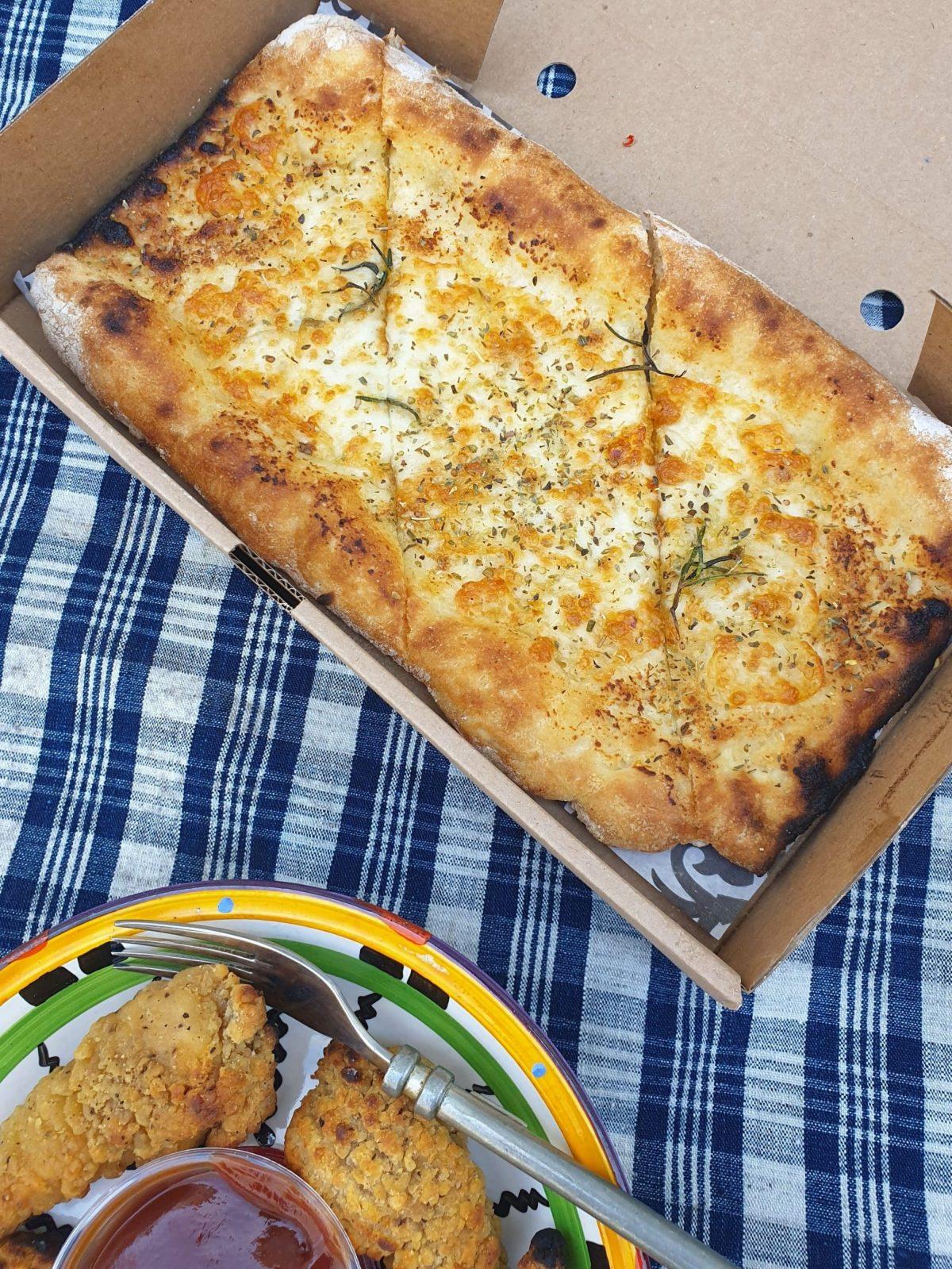 Firezza garlic pizza