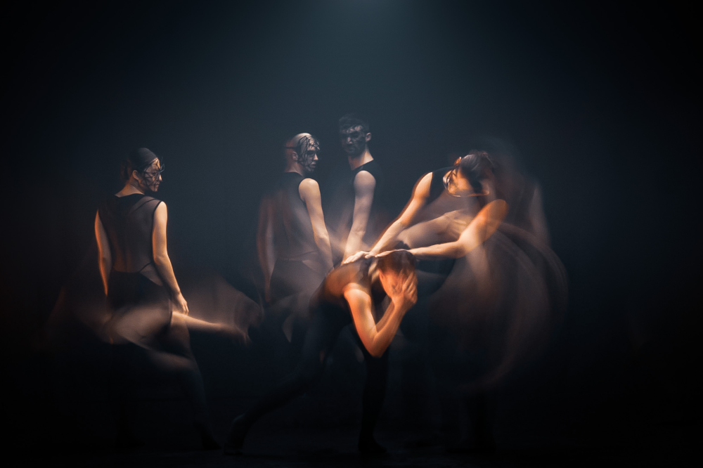 Overflow by Alexander Whitley Dance Company, photo by Johan Persson 7