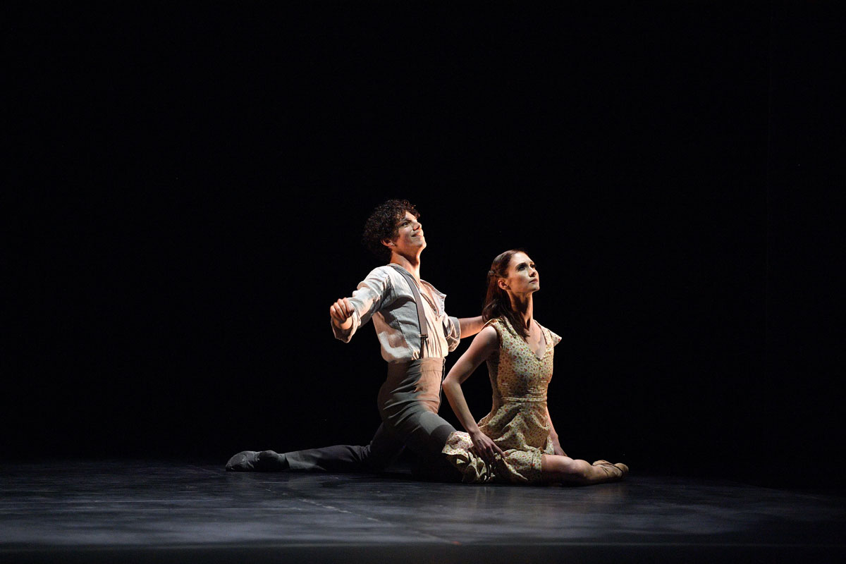 Alison McWhinney and Isaac Hernandez in Seamless Kindness Part of ENB's Reunion © Laurent Liotardo