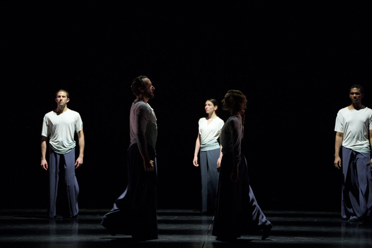 English National Ballet in Echoes by Russell Maliphant part of ENB's Reunion © Laurent Liotardo