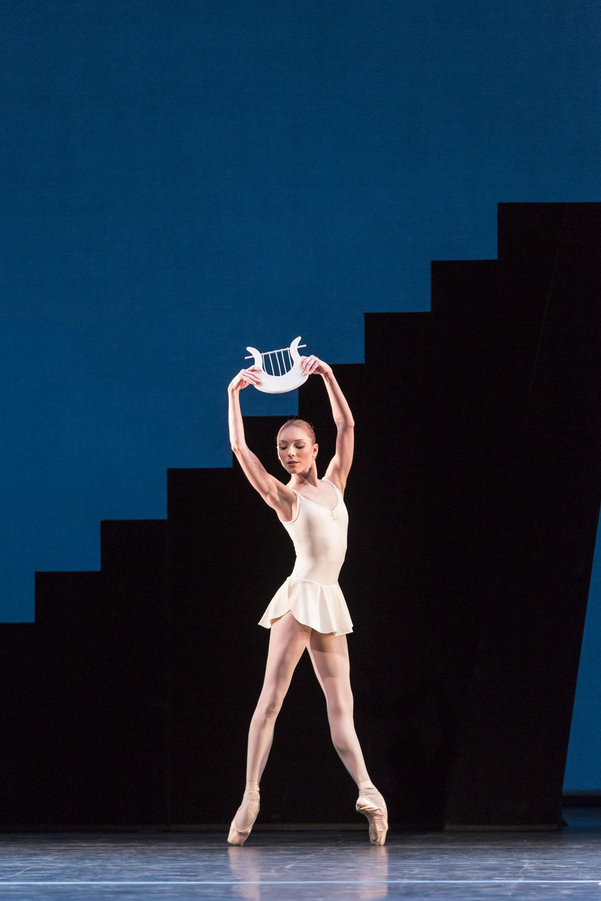 APOLLO ; Music by Stravinsky ; Choreography by Balanchine ; Sarah Lamb ; The Royal Ballet ; At the Royal Opera House, London, UK ; 22 February 2013 ; Credit: Johan Persson / Royal Opera House / ArenaPAL ;