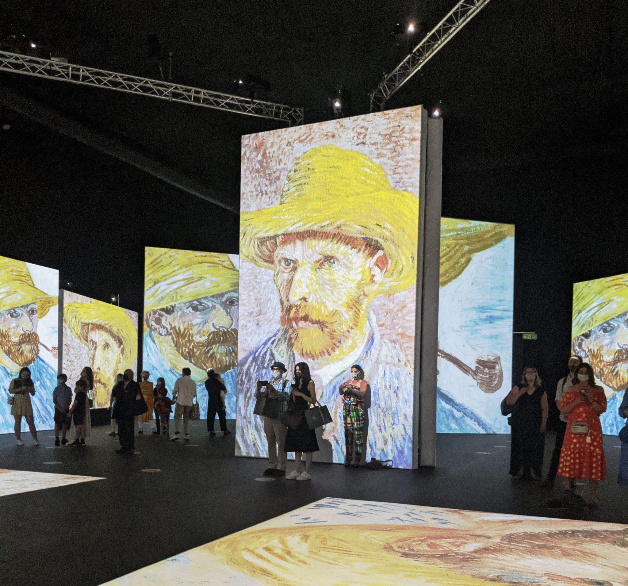 Visitors at Van Gogh alive