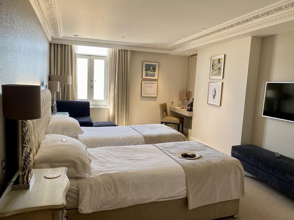 Bedroom Sands Hotel