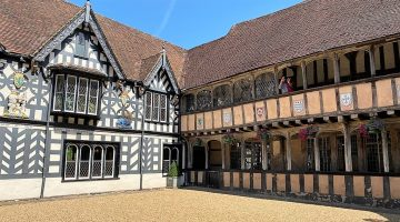 Warwick - Lord Leycester Hospital courtyard feature image