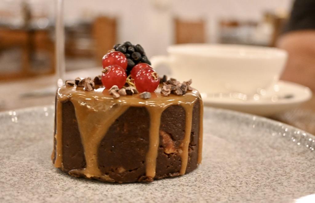 caramel truffle cake