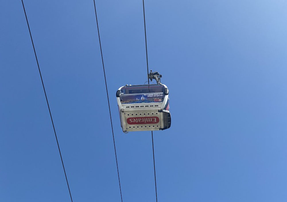 Emerites-cable-car - Crowne Plaza Victoria Docks