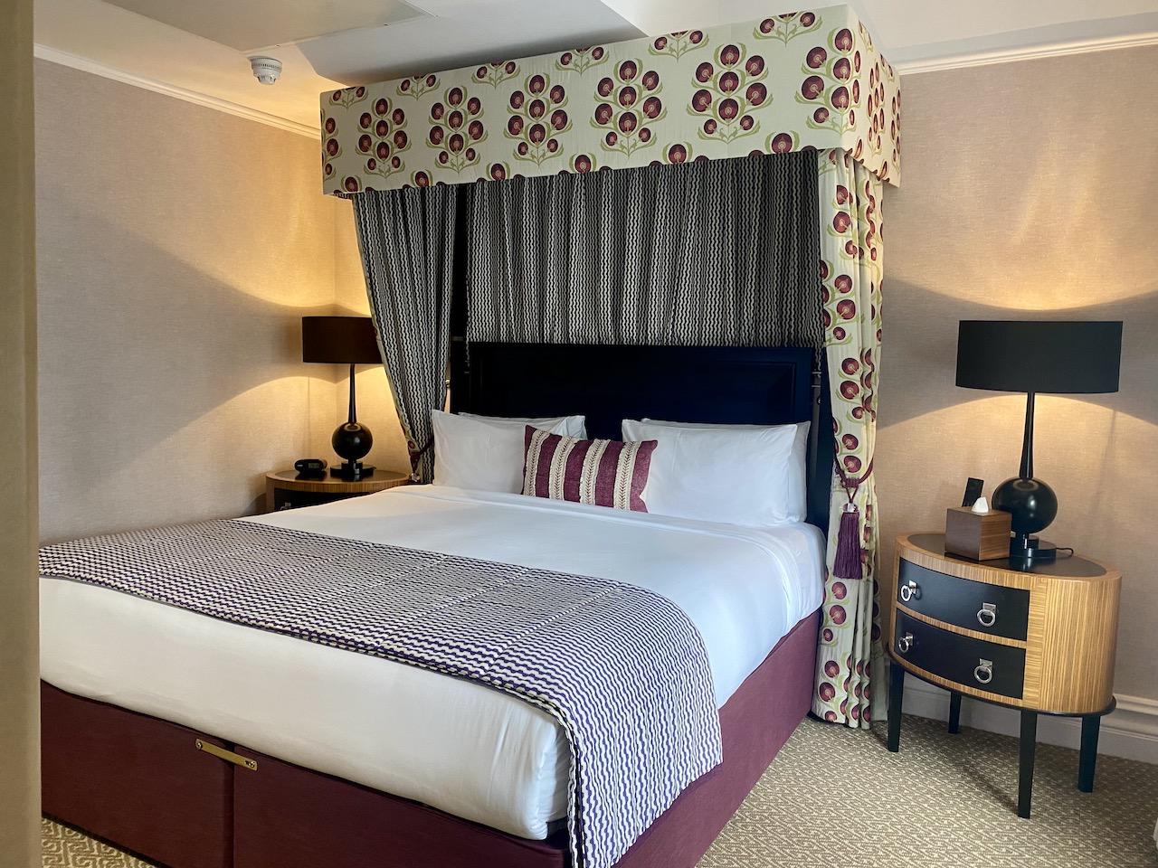 St Ermin's Hotel bedroom