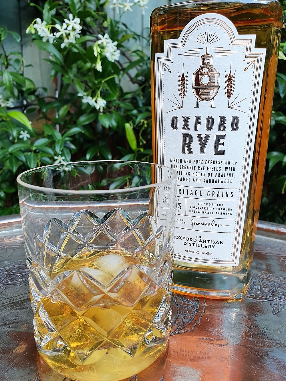 OAD-Oxford-Rye-with-whisky-glass.