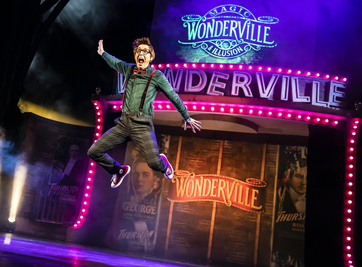 Wonderville 1 Multi-award-winning mind reader and TV star Chris Cox Photo by Pamela Raith