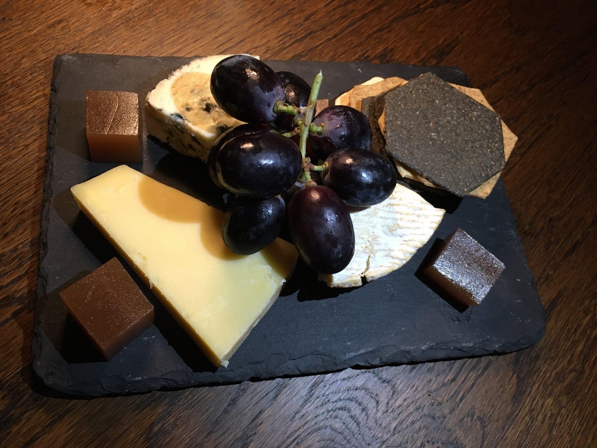 footman-cheese-board
