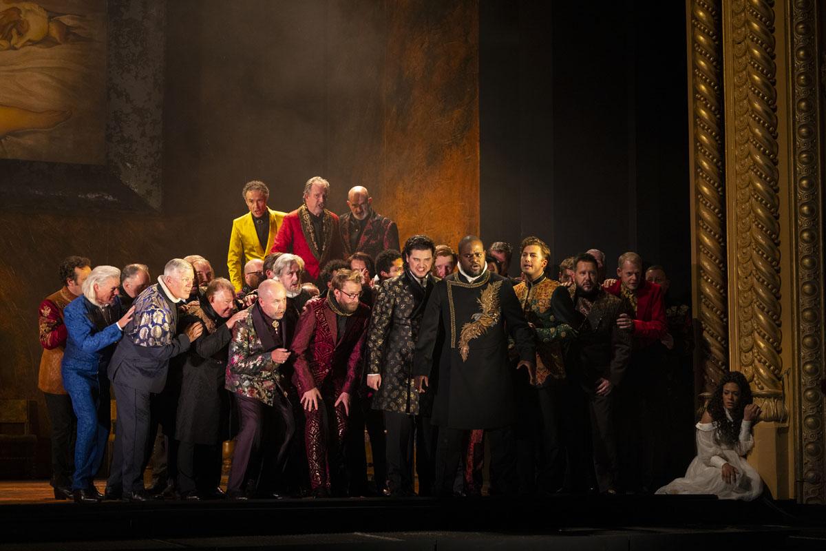 RIGOLETTO CHORUS at the Royal Opera House Covent Garden