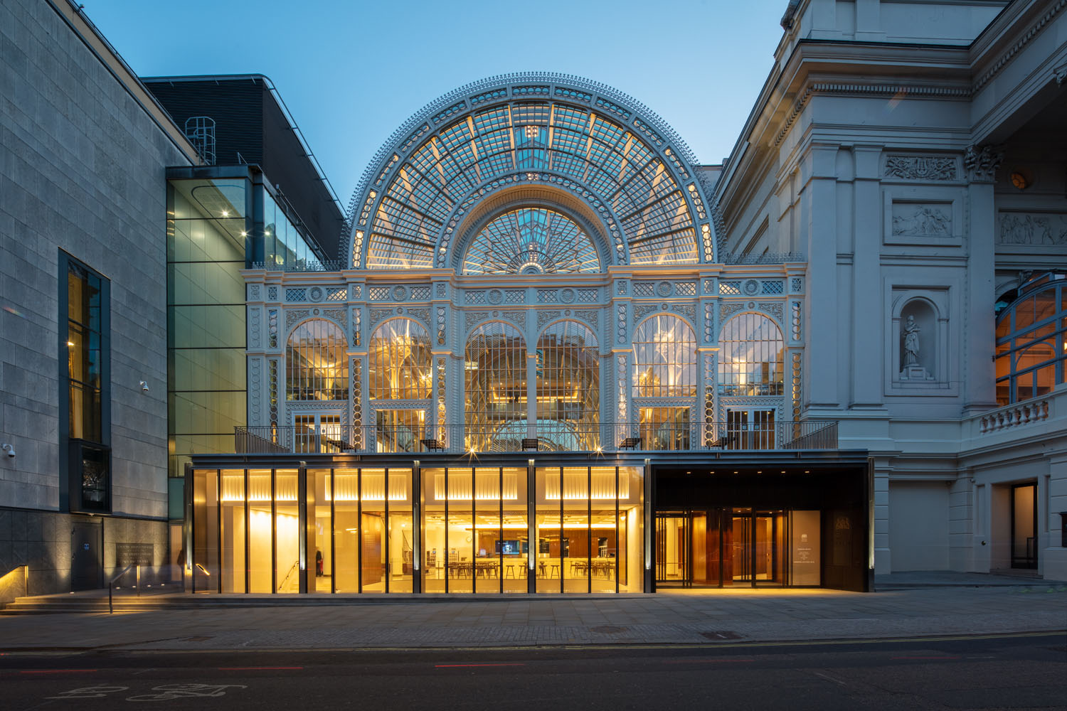 Royal Opera House, new exterior ©2018 ROH. Photograph by Luke Hayes