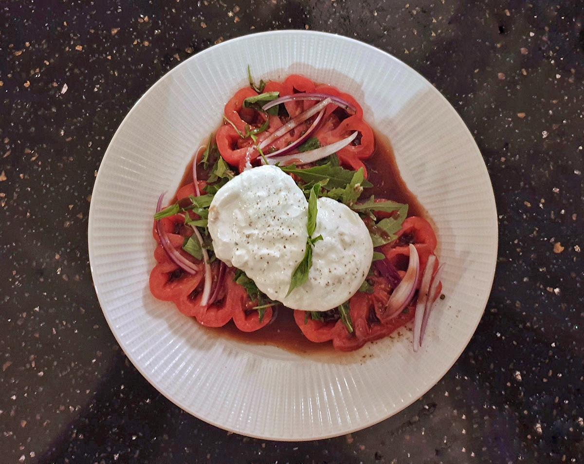 Salad Caprese - Piazza Italiana