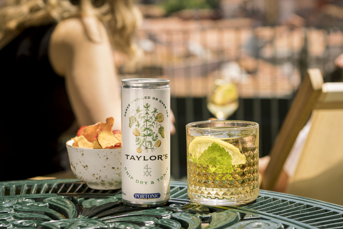 Taylor 's Chip Dry & Tonic Ready to Drink - Lifestyle Rooftop (31)- s