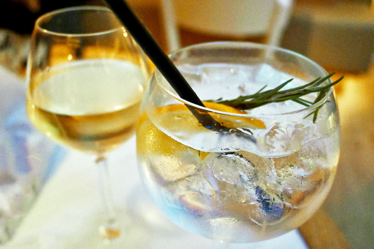 The Seafood Bar drinks