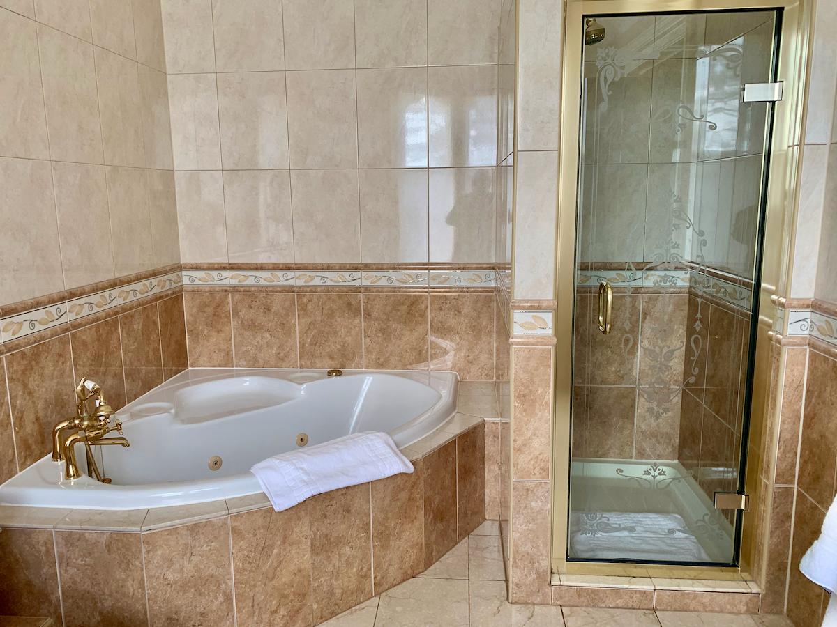 Ashdown Park Hotel bathroom